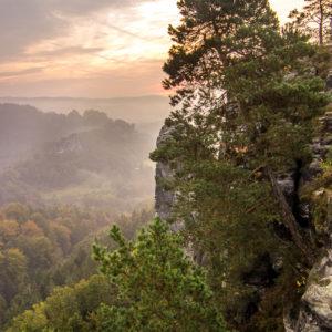 Sonnenaufgang über Im Bastei Gebirge