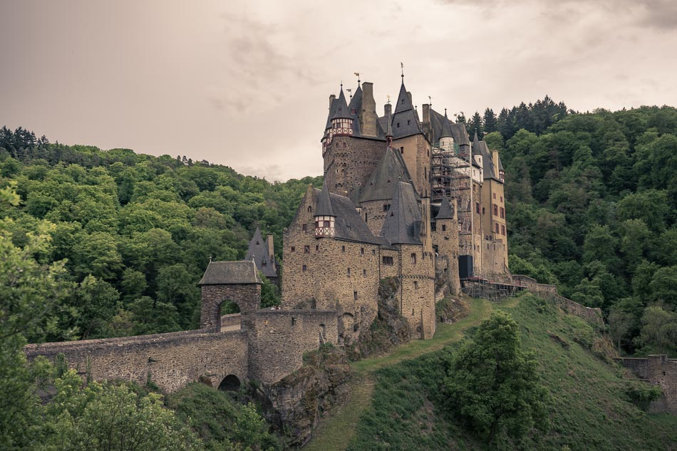 Von Der Burg Eltz Ins Auto-Abenteuer