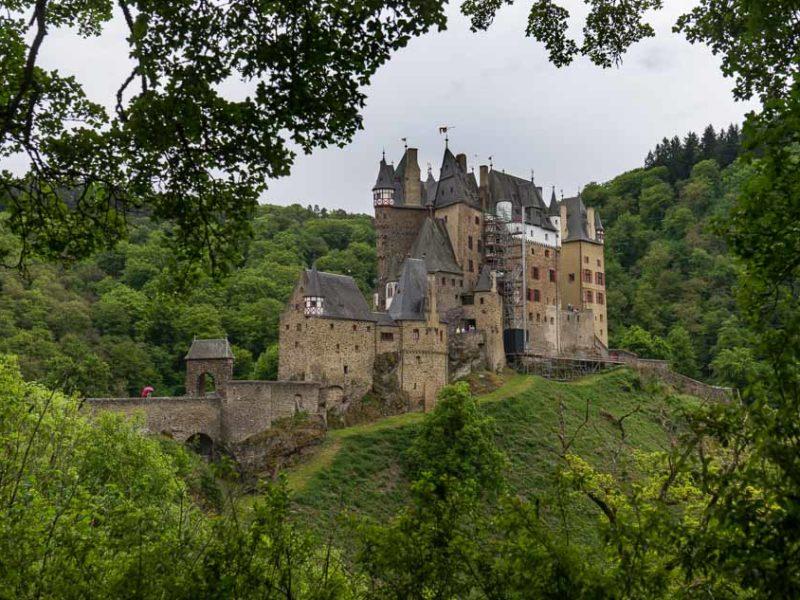 Die Erste Sicht Auf Die Burg Vom Wandererg
