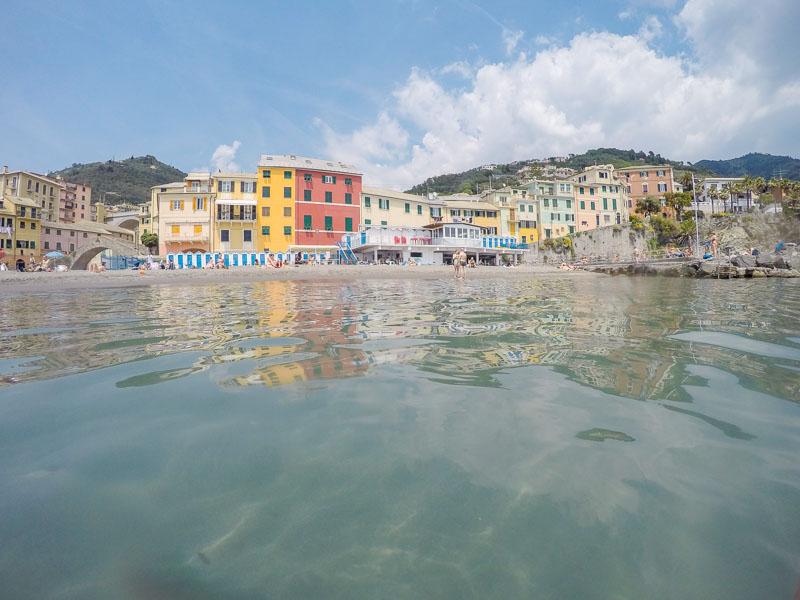 Roadtrip nach Italien - Sonne Strand und gutes Wetter in Genua